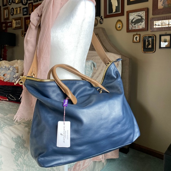 NWT Oversized Alberta Di Canio Navy/Tan Bag
